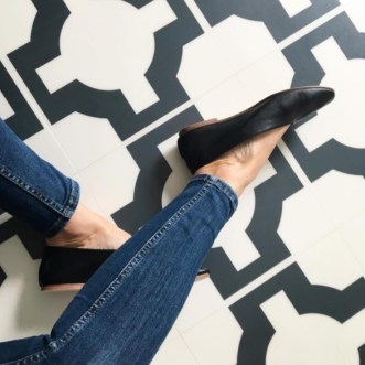 Chloe's beautiful floor in Parquet Charcoal by Neisha Crosland Credit: @chloegraceb