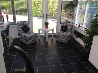 Chris's kitchen in Colours Collection Jet Black with white feature strips