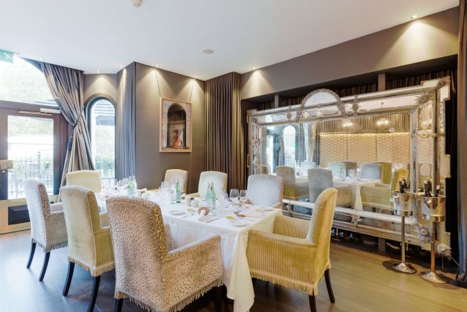 Brunello dining room with mauve-grey walls
