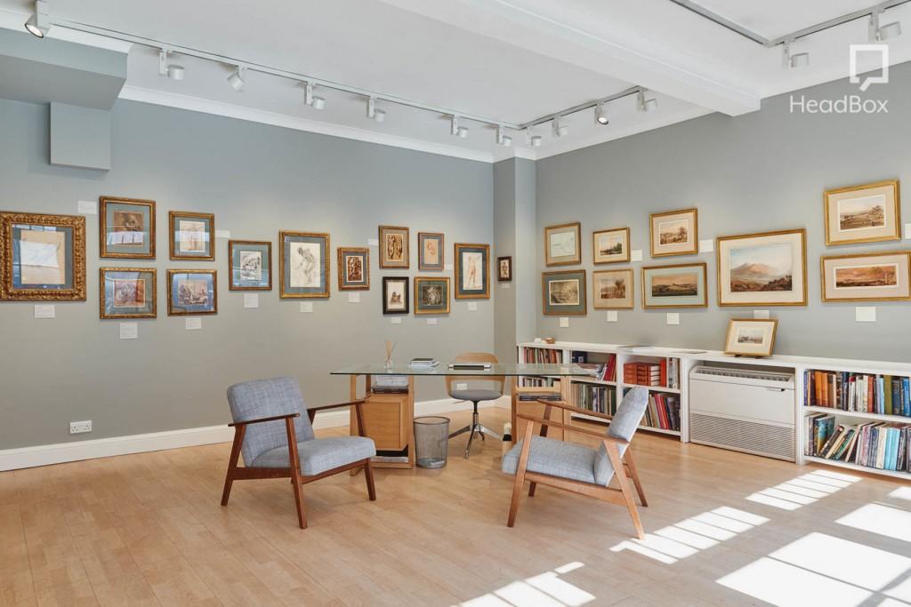 Ongpin Peppiatt Gallery with grey walls.