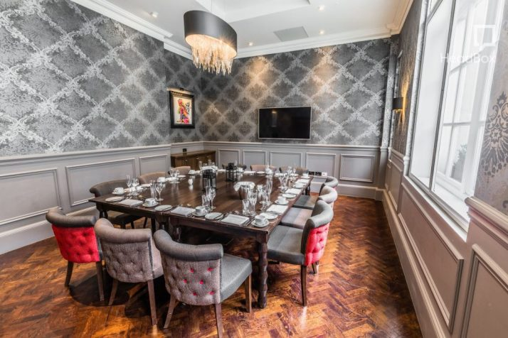 Courthouse London hotel dining room
