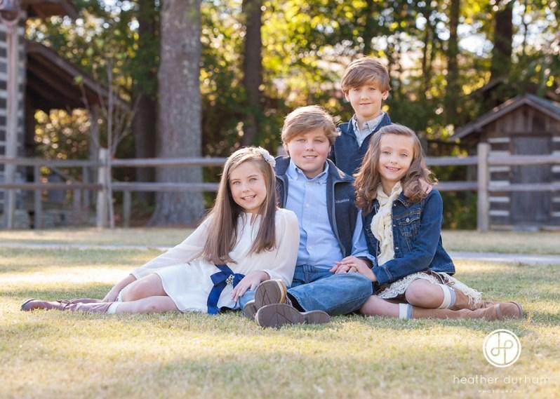 Birmingham Alabama photographer,Birmingham portrait photographer,Bluff Park cabin,Fall kids and family portraits,Heather Durham Photography,Kids & Family Portraits,fall portrait sessions,sibling portraits,