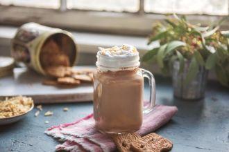 Smoothie van banaan, amandel en cacao
