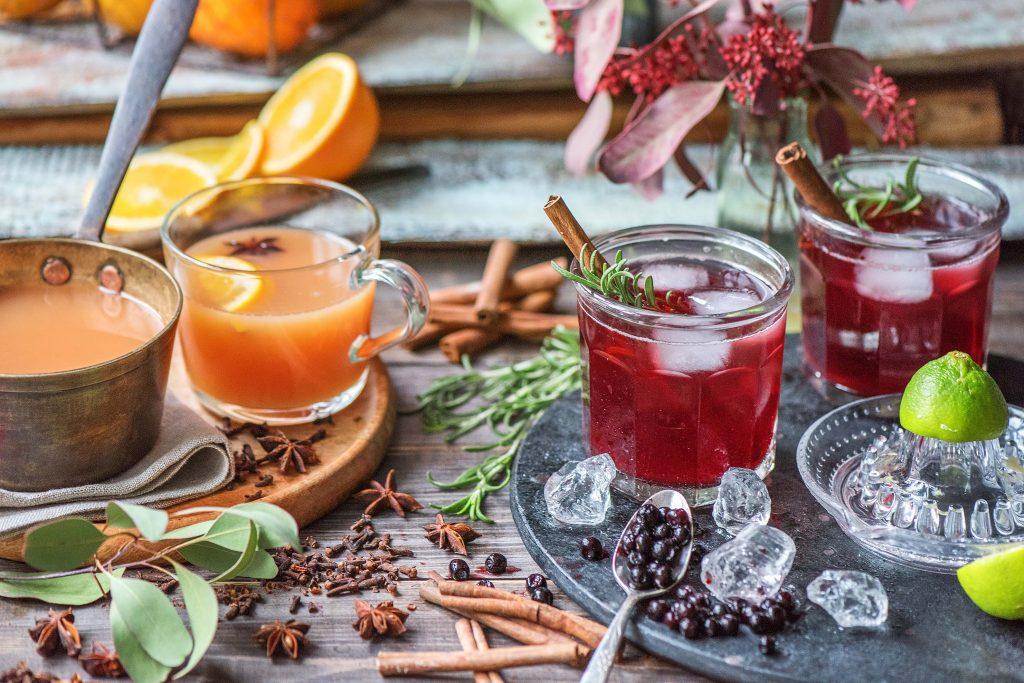 Getränke zu Weihnachten: Apfel-Orangen-Punch, Blaubeer-Zimt-Drink