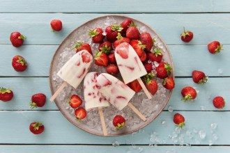 Homemade Strawberries and Cream Ice Creams