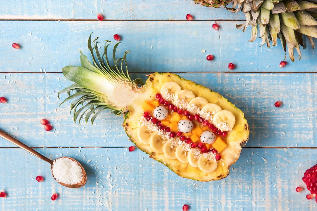 hf160708_gblog_pineapple_smoothie_bowl_9_low