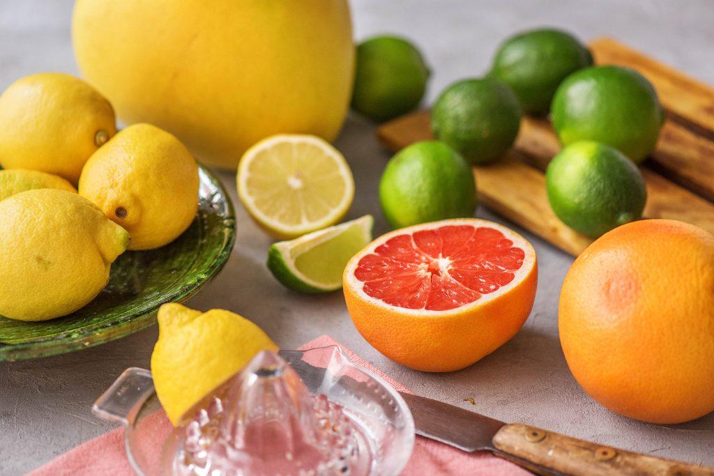 Zitrusfrüchte Liste: Zitrone, Pomelo, Limette, Grapefruit