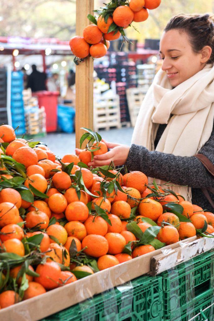 Frisch vom Markt: Am Mandarinen-Stand