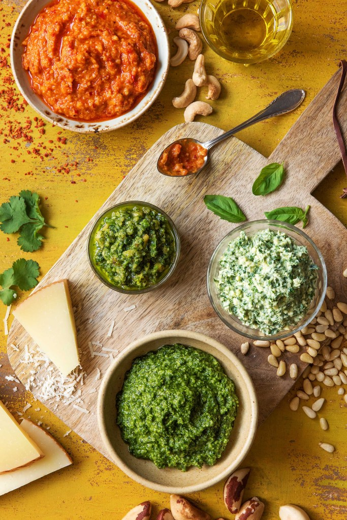 recipes using pesto-HelloFresh-roasted-red-pepper-cashews-basil-arugula-cilantro-walnuts-sour-cream-pine-nuts