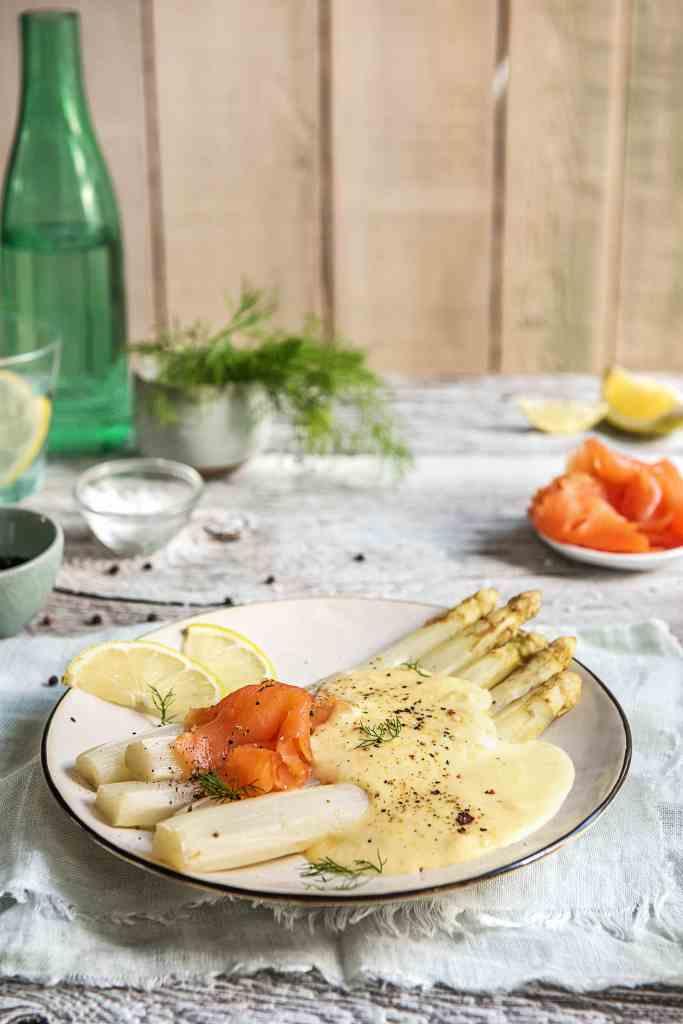 how to serve smoked salmon-recipe-asparagus-hollandaise-HelloFresh