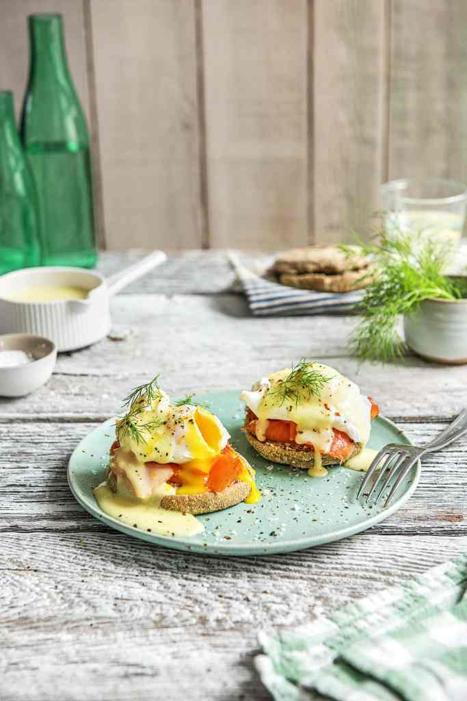 how to serve smoked salmon-recipe-eggs-Benedict-HelloFresh