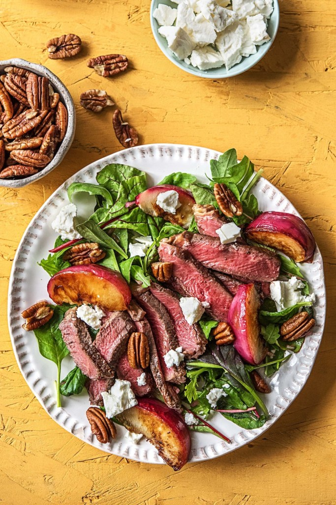 20-Min-meals-HelloFresh-steak-nectarine-salad