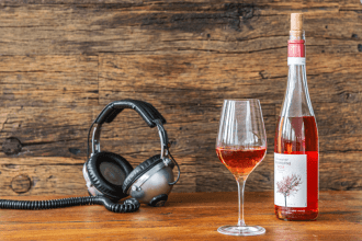 How Music Changes The Way You Taste Wine