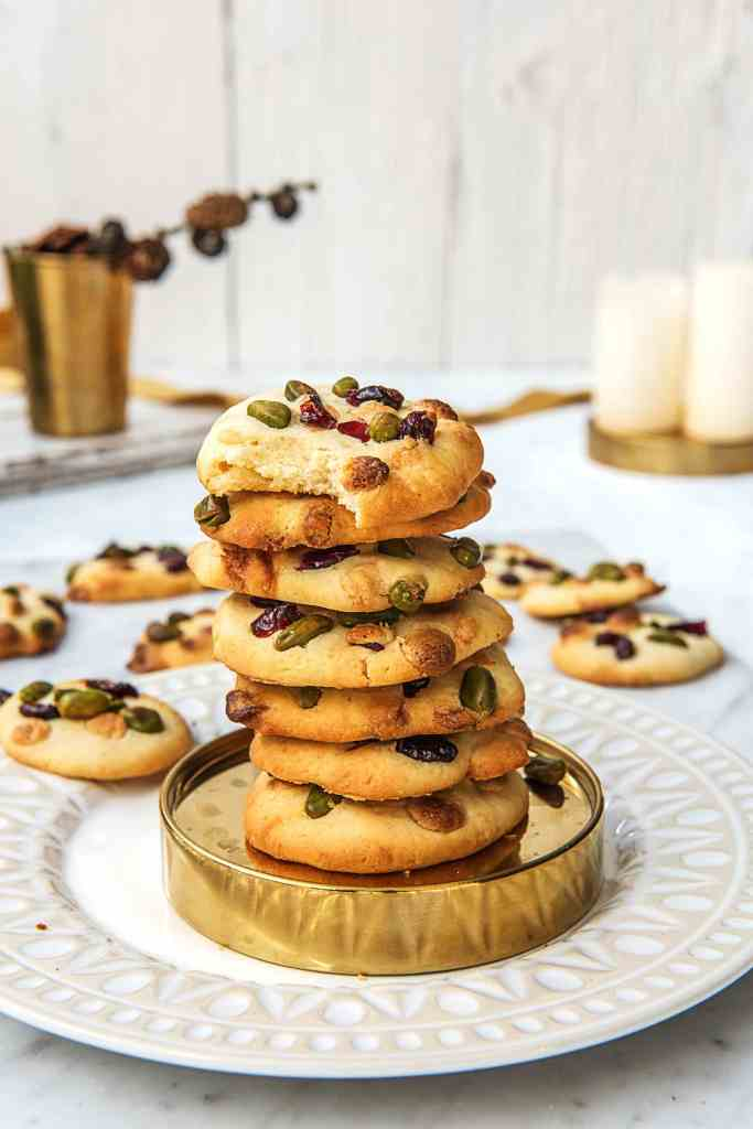 holiday-cookie recipes easy-HelloFresh-white-chocolate-pistachio-cranberry