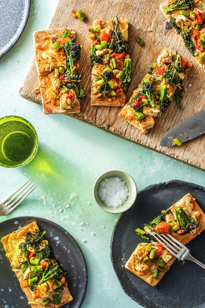 quick and easy recipes-20-minute-meals-HelloFresh-pronto-chicken-white-pizzas