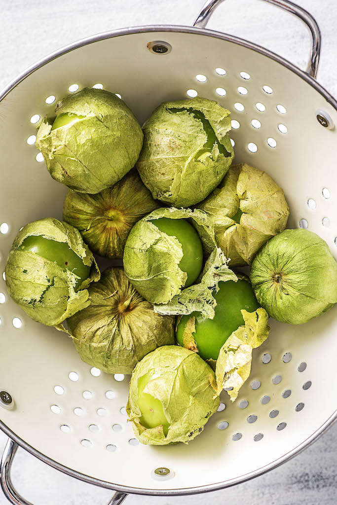 the zodiac signs-HelloFresh-spring-veggies-aquarius-tomatillos