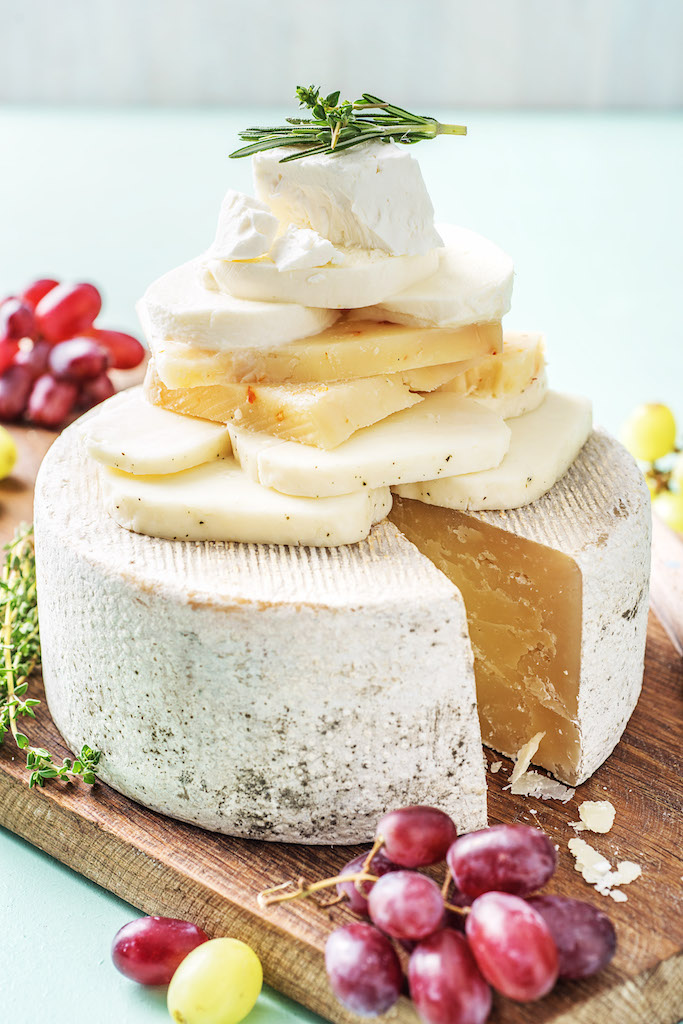 Guide To The 5 Most Common Types of Cheeses In Our Test