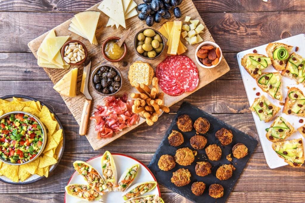 summer party-tips-tricks-recipes-HelloFresh-mezze-appetizers