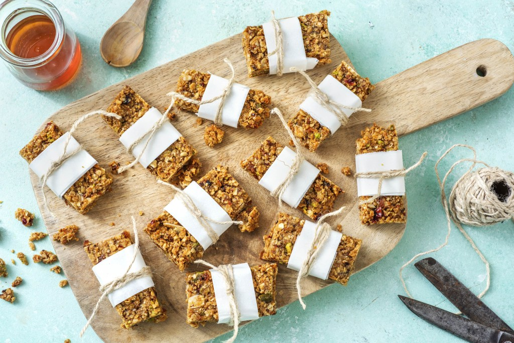 how to make granola bars-HelloFresh