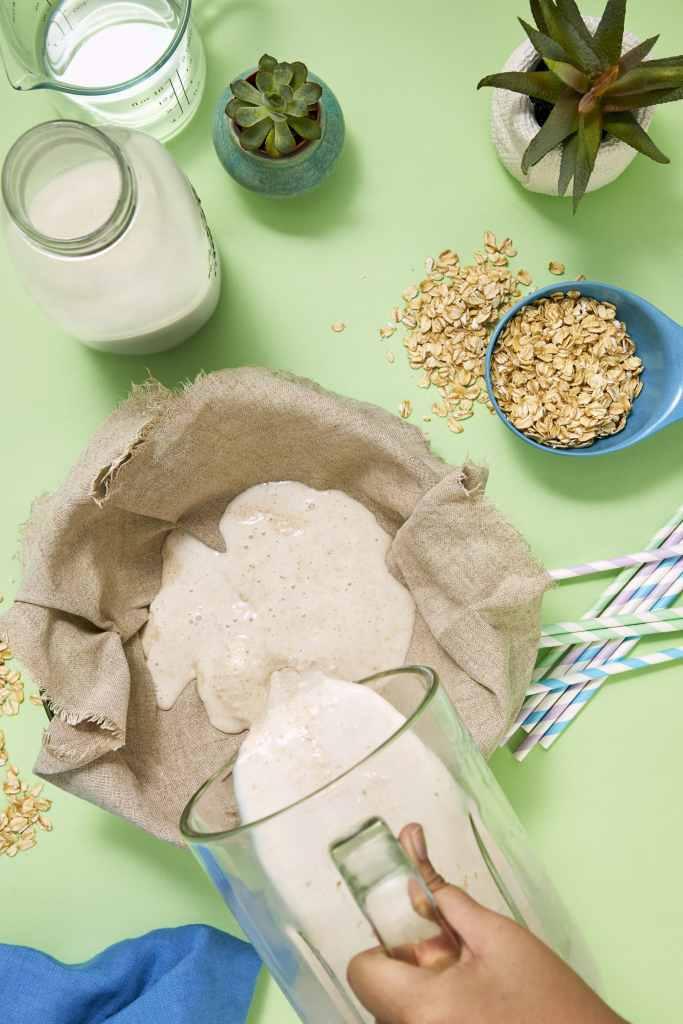 homemade oat milk-hellofresh-how to
