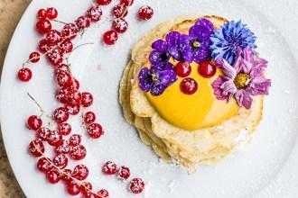 Jetzt wird's außergewöhnlich – Pancakes mit Kurkuma und Honig-Quark