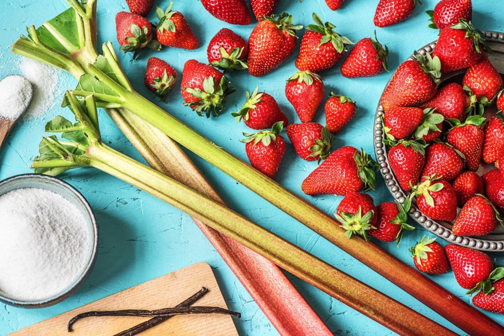 Zutaten für unsere Erdbeer-Rhabarber-Marmelade