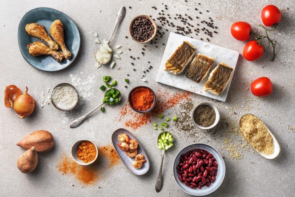 Zutaten und Gewürze der kreolischen Küche