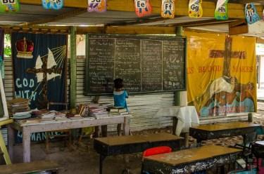 20120724-105750-Fidschi, Mana Island, Schule, Weltreise-_DSC0254