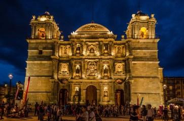 20120801-202123-Kirche-Mexiko-Oaxaca-Weltreise-Zócalo-_DSC0567-_DSC0571_5_images_pano