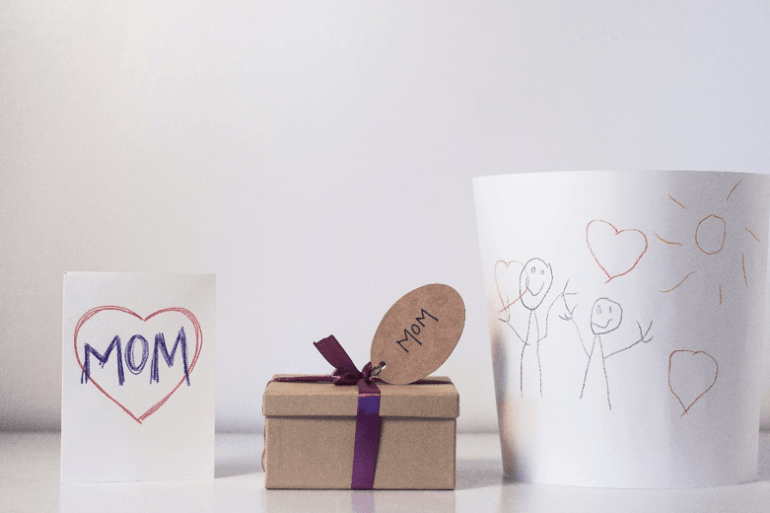 Offer a special gift to your mom on Mother's Day
