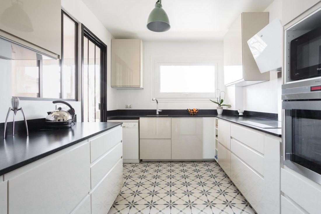 renovation-appartement-cuisine-fermee-verriere