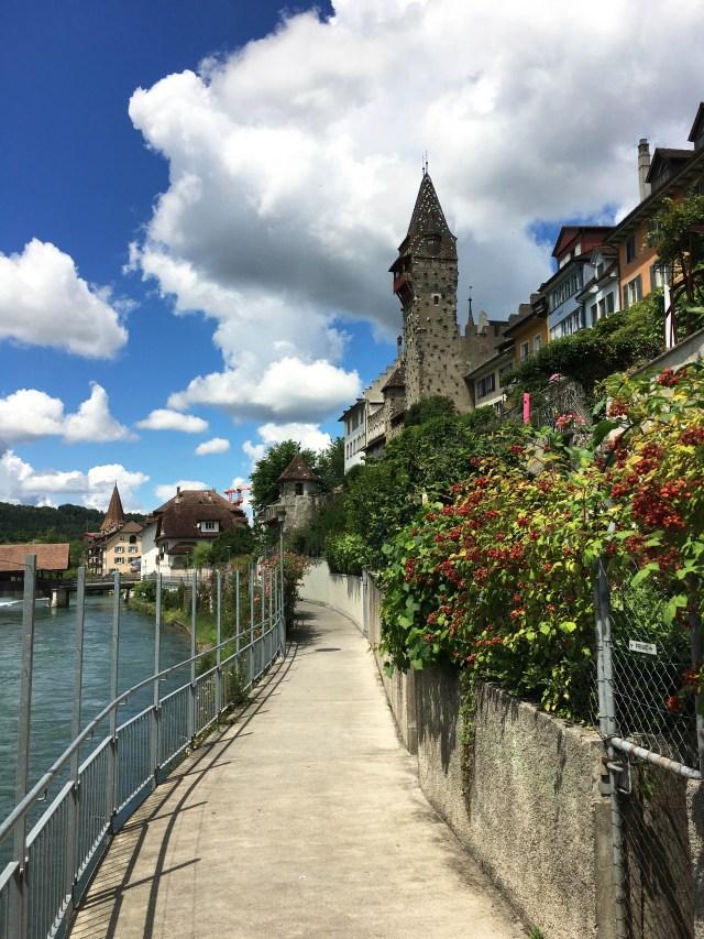 Tine Klein Wolken malen lernen am Beispiel von Bremgarten im Aargau Schweiz.