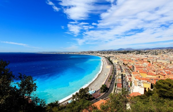 Combine a city and beach break with these 5 hostels | HI ...