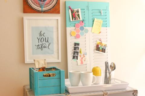 Dorm Room Ideas: DIY Room Decor   Shutter Bulletin Board