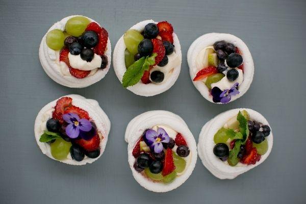 Mini Pavlova Meringues, hirschs, hirschs homestore, recipes, cooking, flowers, bright colours, colours