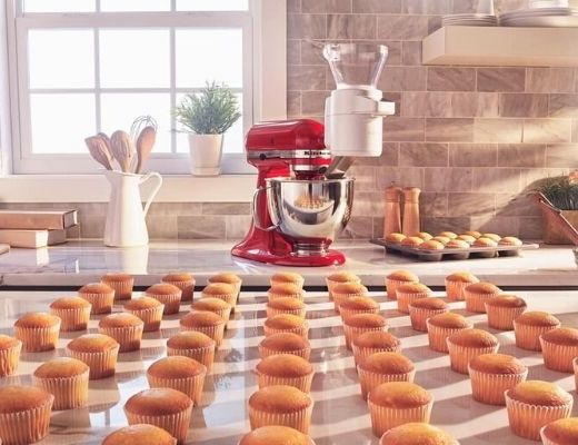 kitchenaid, hirschs, cupcakes, rows of cupcakes, vanilla, chocolate, baking, online food, baking online, food blog, recipe, hirschs, home demo, kids bake off, family bake off, competition