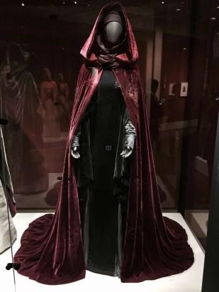 red handmaiden costume