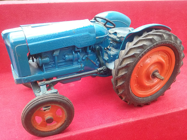tinplate tractor