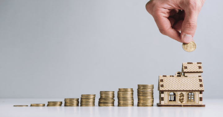 Can a self-employed person self-finance his first house without family borrowing?