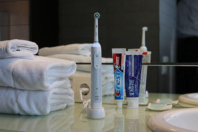 electric toothbrush phantom power