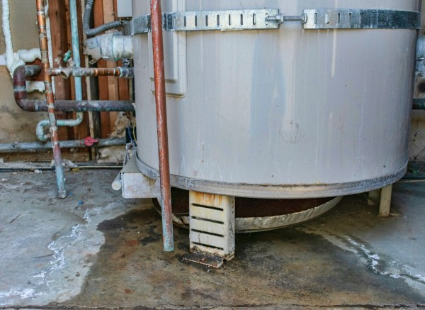 what to do if water heater leaking