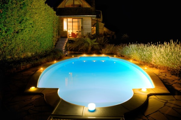 smart pool technology Canadian pool trends
