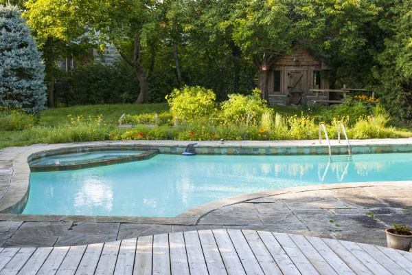 single depth pool Canadian pool trends