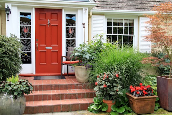 bright red front door easy curb appeal updates for spring