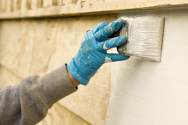 painting house exterior