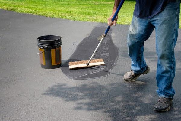 pro sealing driveway