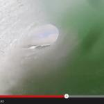 シェアしたくなる動画 | 雨の日はGoproのユーザー投稿動画でテンションUP! | 大波の間をすべるサーファーを疑似体験できる47秒の動画
