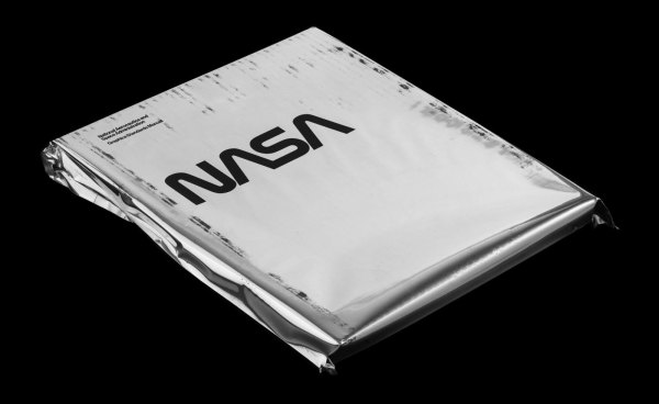 The NASA Graphics Standards Manual white cover sheet