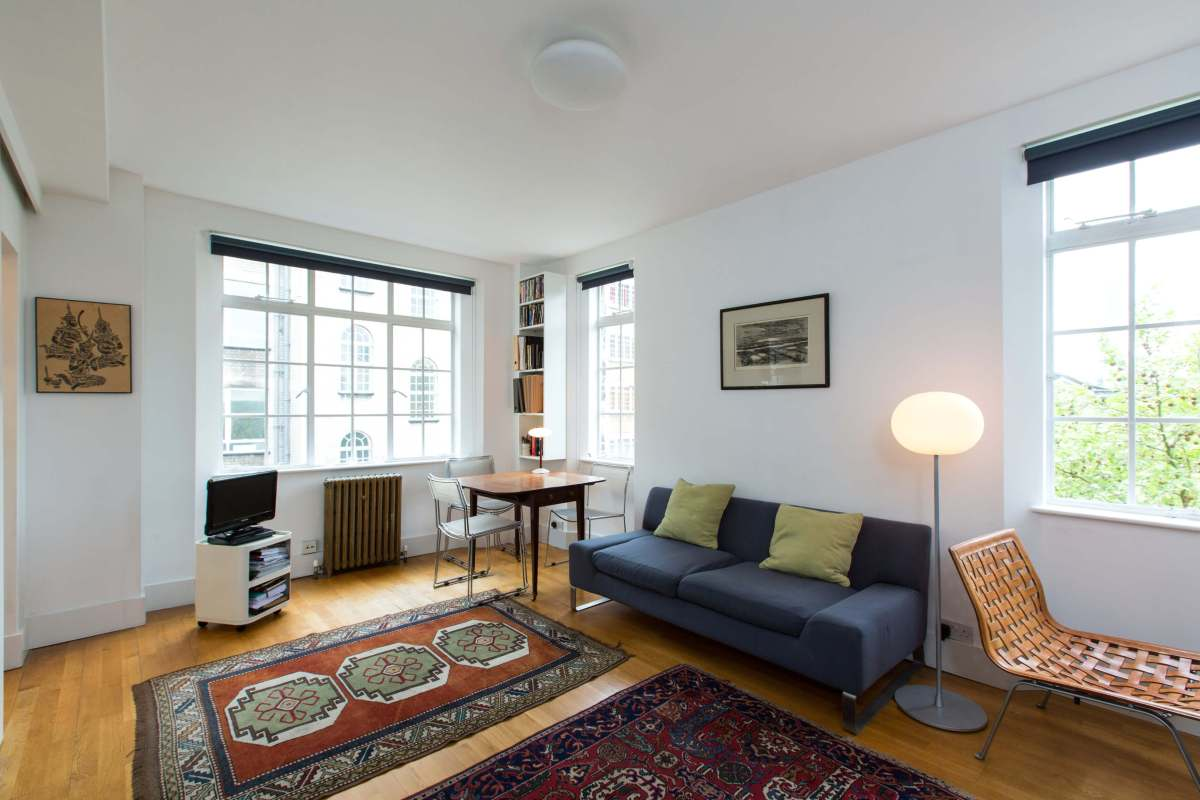 Spacious and Sunny Studio in Endsleigh Court, Bloomsbury, WC1