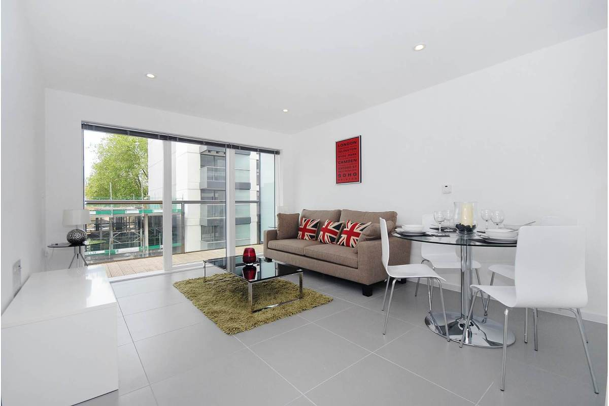 1 Bedroom Apartment in Dance Square, Clerkenwell, EC1